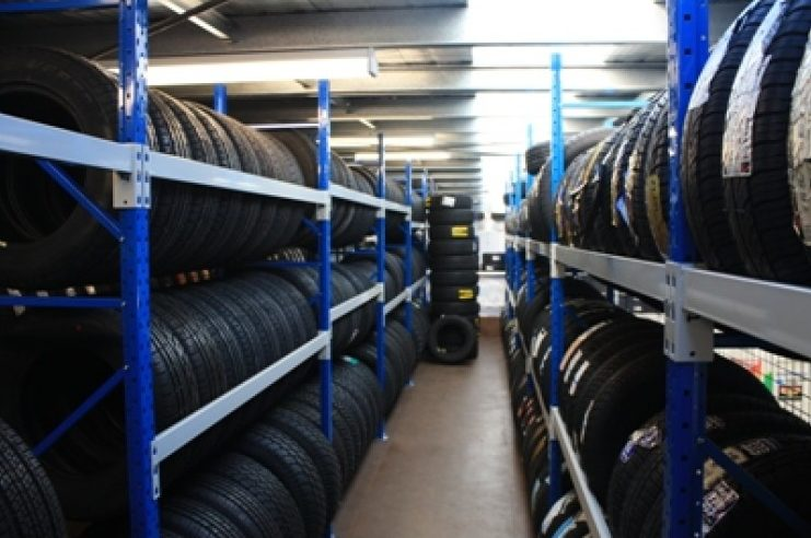 three layers wheel storage shelf